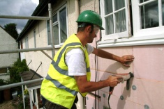 Applying External Wall Insulation